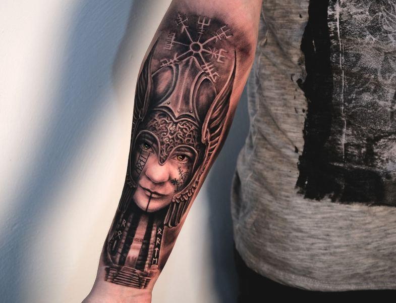 Valkyrie-viking-wegweiser-tattoo1